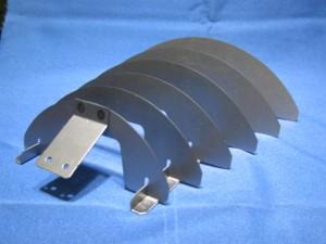 電子機器用遮光ルーバー