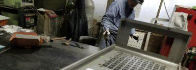 16名の溶接工を配備し、小物部品から大物部品まで 幅広く溶接組立品に対応