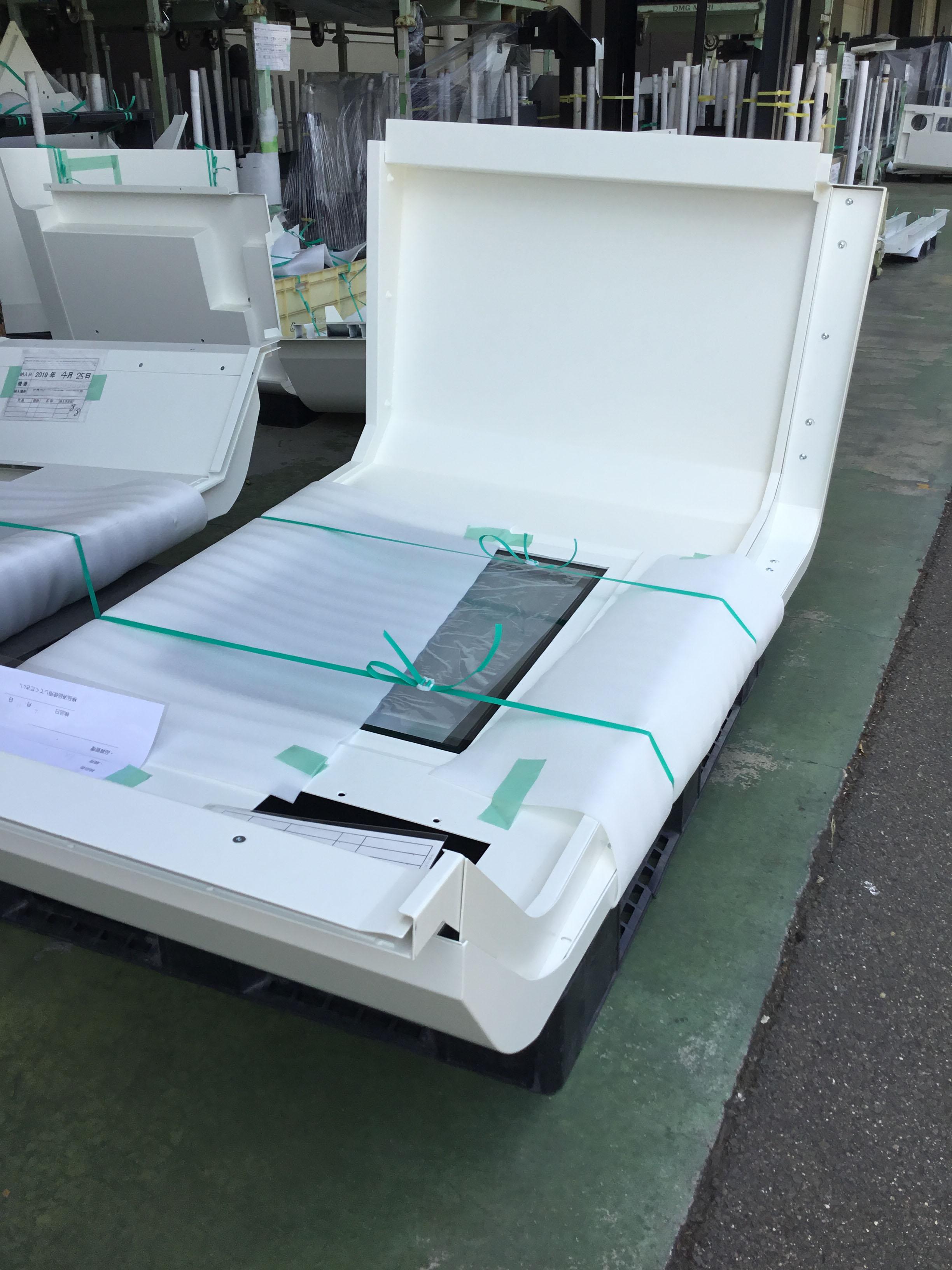 カバー部品なども簡易梱包でキズなく、搬送可能